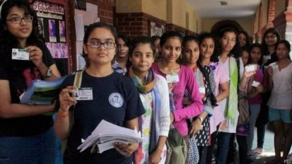 क्या बिहार के राज्यपाल कठपुतली हैं? परीक्षा के इस सवाल पर बवाल: प्रेस रिव्यू