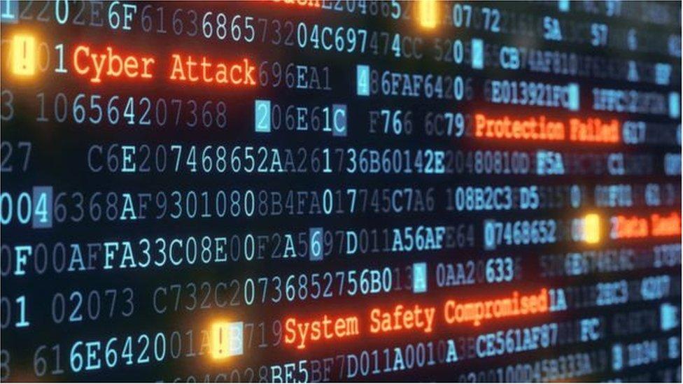 США звинуватили сімох росіян у кібератаках на міжнародні організації