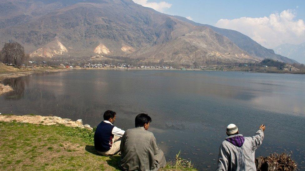 Danau Manasbal, utara Srinagar, ibu kota Kashmir, India.