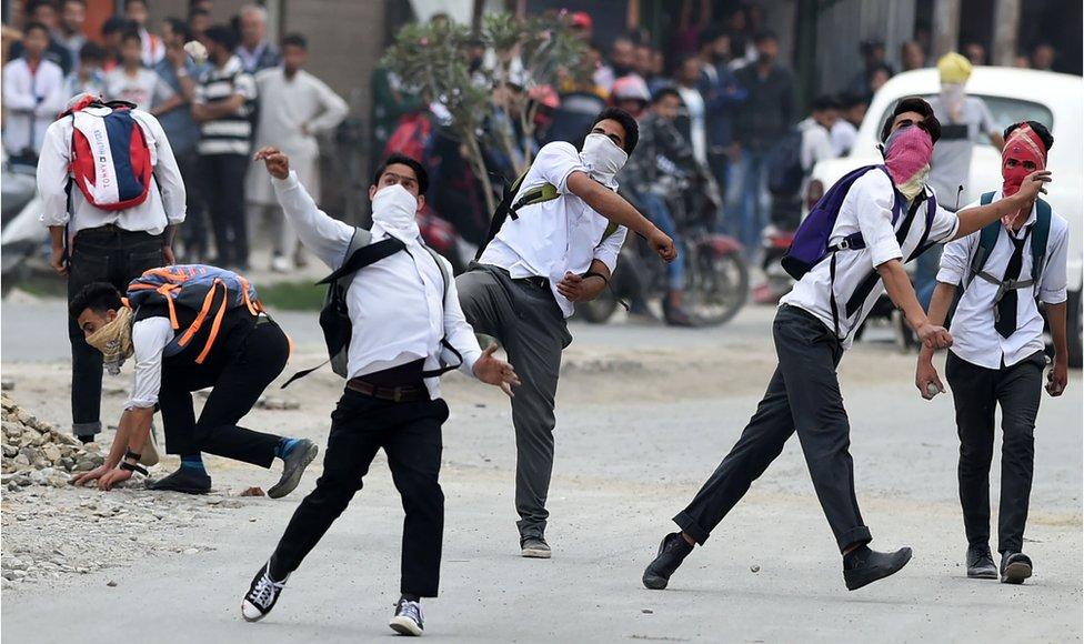 Kashmir stone throwers