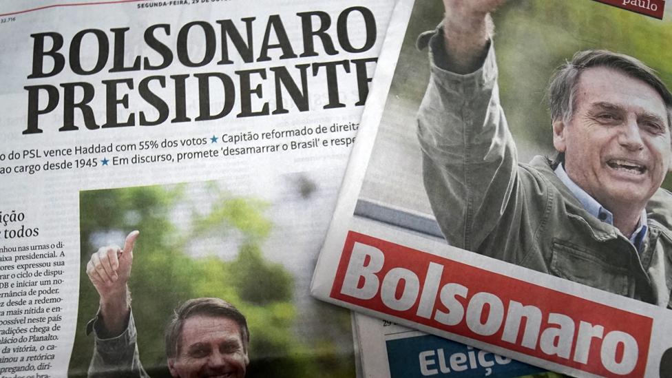 Periódicos con la imagen de Bolsonaro
