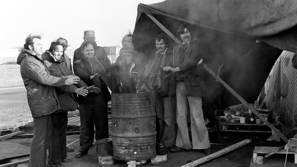Dock workers' picket during Winter of Discontent