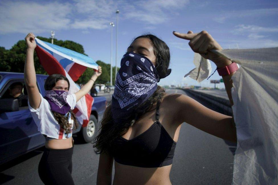 Demonstranti traže da guverner odmah podnese ostavku