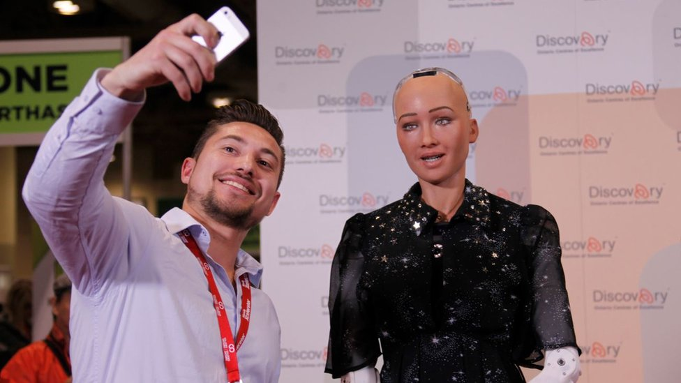 Robot humanoide Sofía, durante una exhibición en Toronto, Canadá.