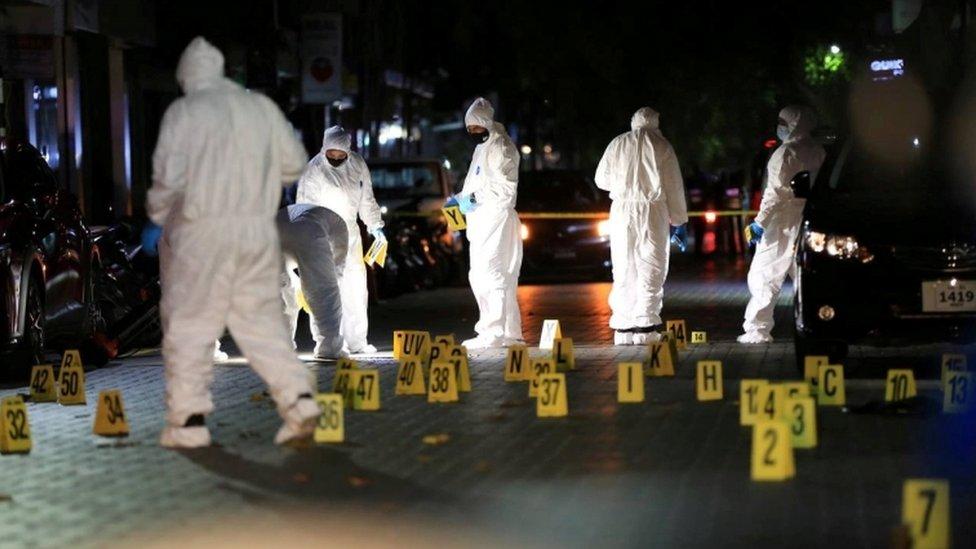 الشرطة في موقع محاولة اغتيال نشيد