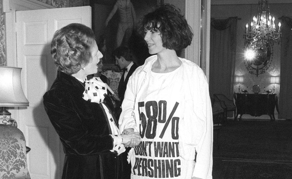 Katharine Hamnett with Margaret Thatcher in 1984