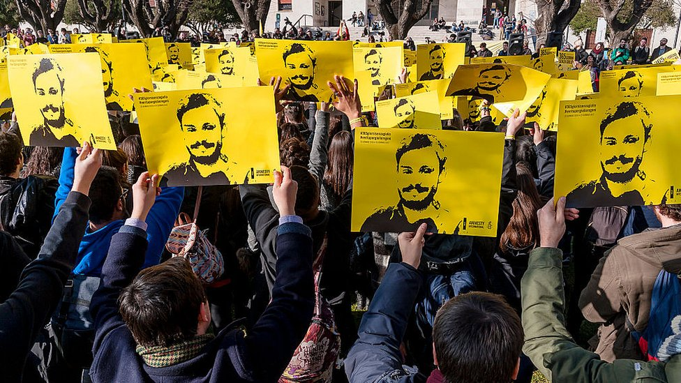 Giulio Regeni: Egypt 'suspends' investigation into Cambridge student's murder thumbnail