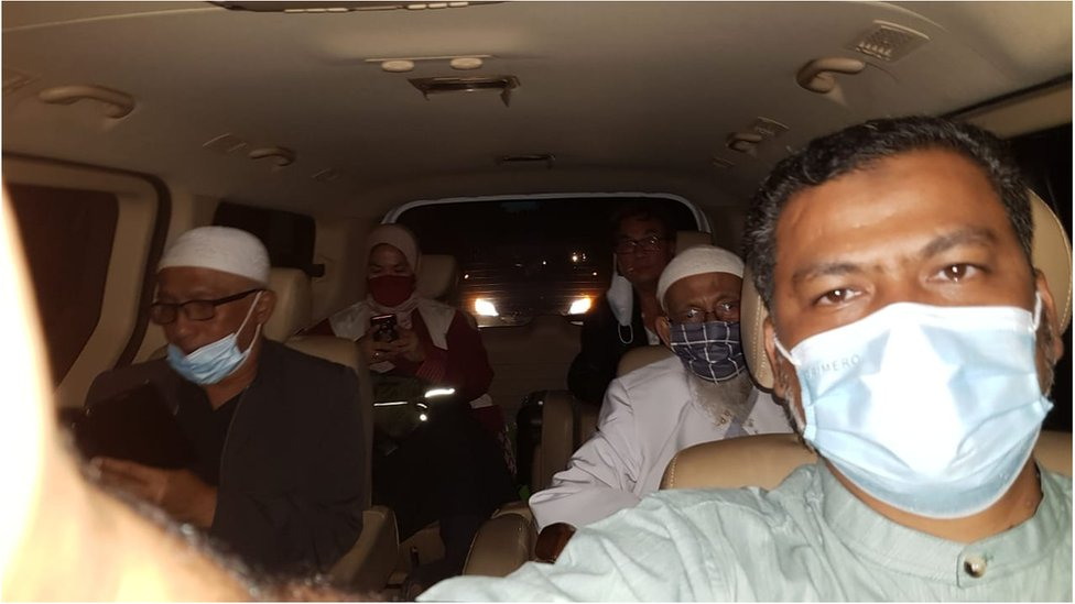 Abu Bakar Ba'asyir: Radical cleric linked to Bali bombings freed thumbnail