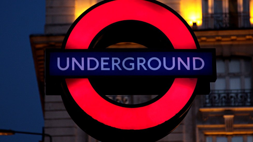 tube roundel