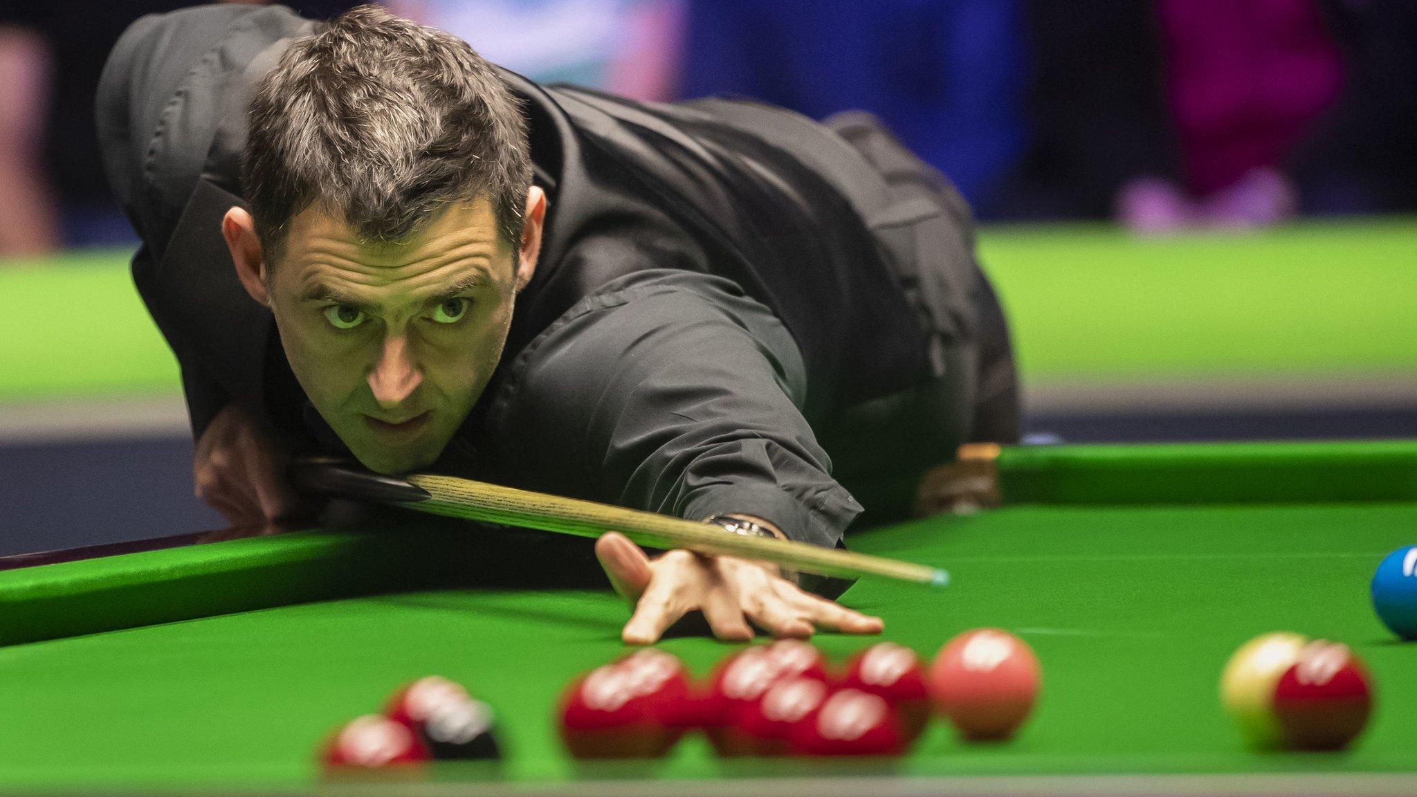UK Championship: Ronnie O'Sullivan dispatches Jack Lisowski in York