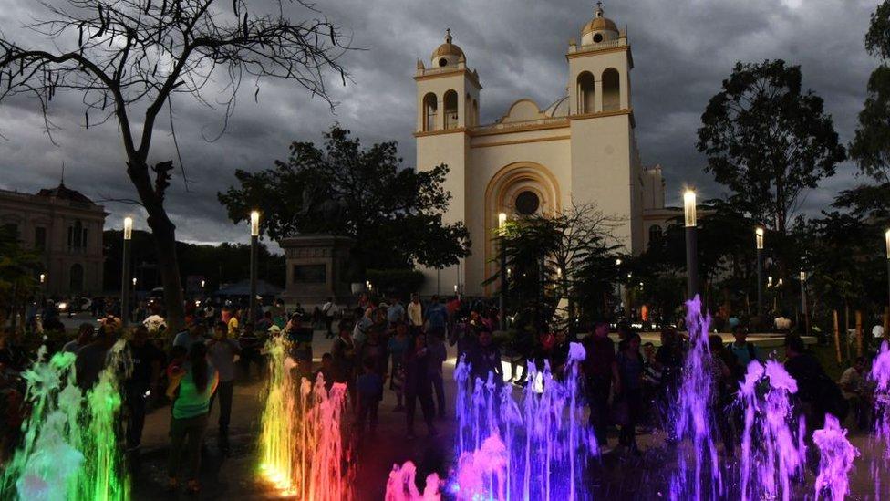 Centro de San Salvador NO USAR | BBC