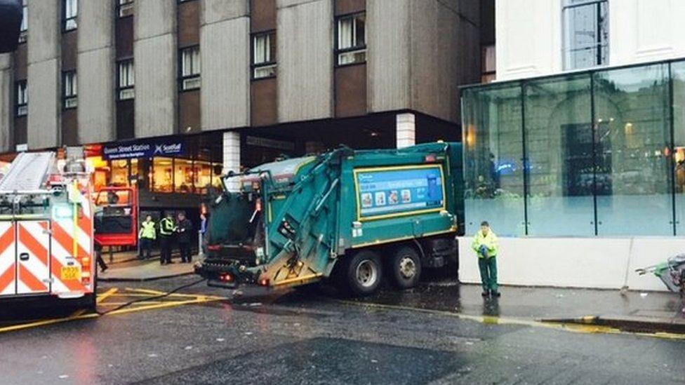 Crashed bin lorry