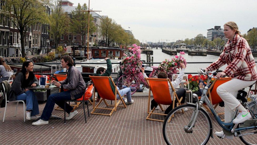 Pessoas em Amsterdã