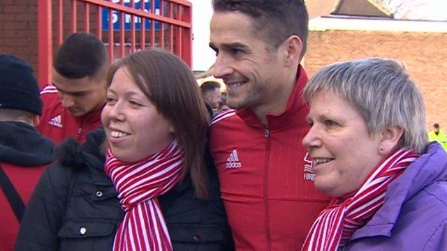 Chris Cohen with Nottingham Forest fans