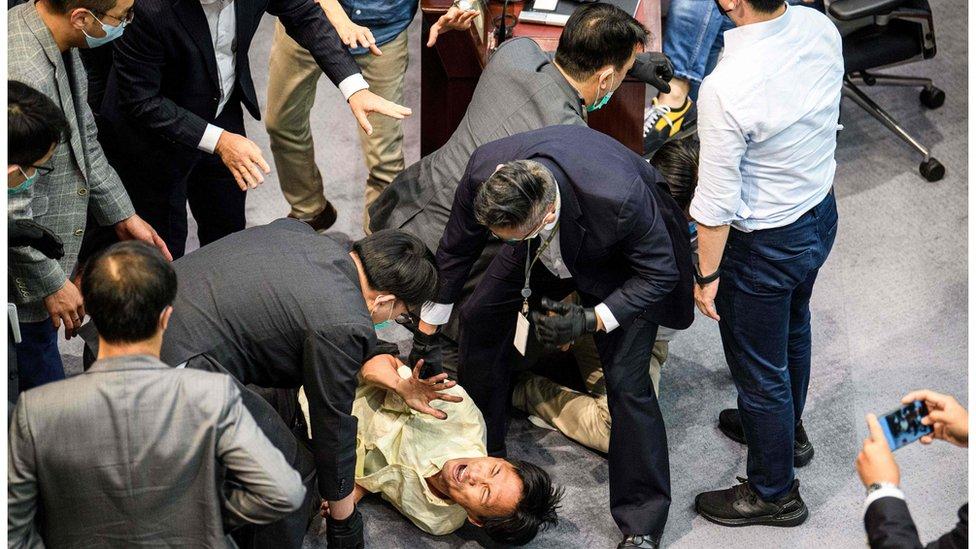 香港立法會近日發生多次衝突。
