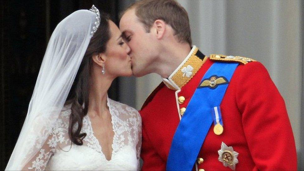 Kate Middleton, Prince William kiss