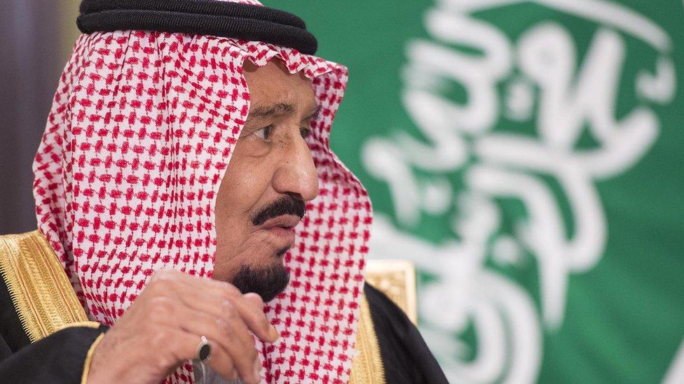 لا يتوقع المراقبون الإعلان عن قرارات خطيرة في خطاب الملك