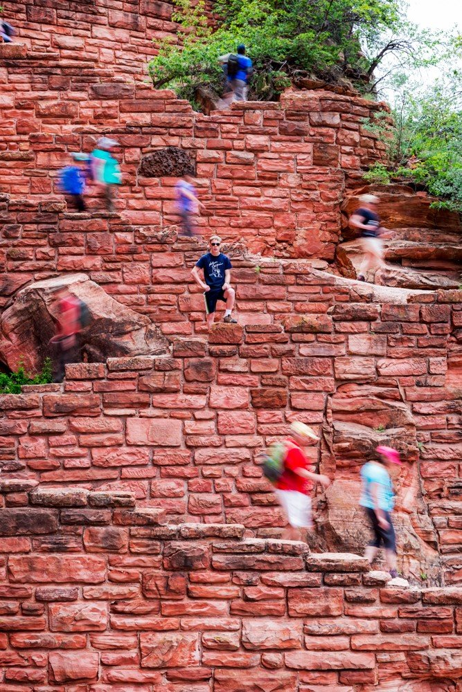 People climbing up and down Angels Landing at Zion National Park