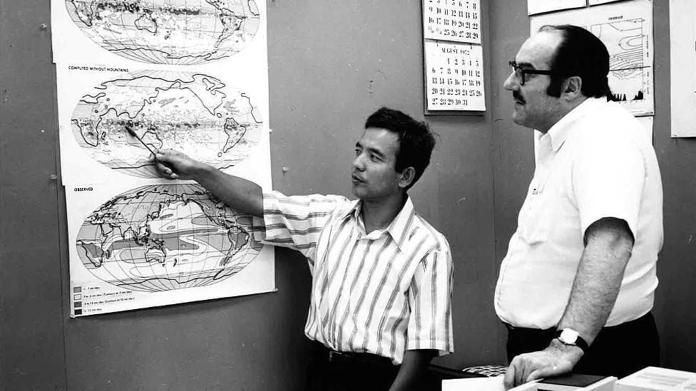 Syukuro Manabe junto al meteorólogo estadounidense Joseph Smagorinsky