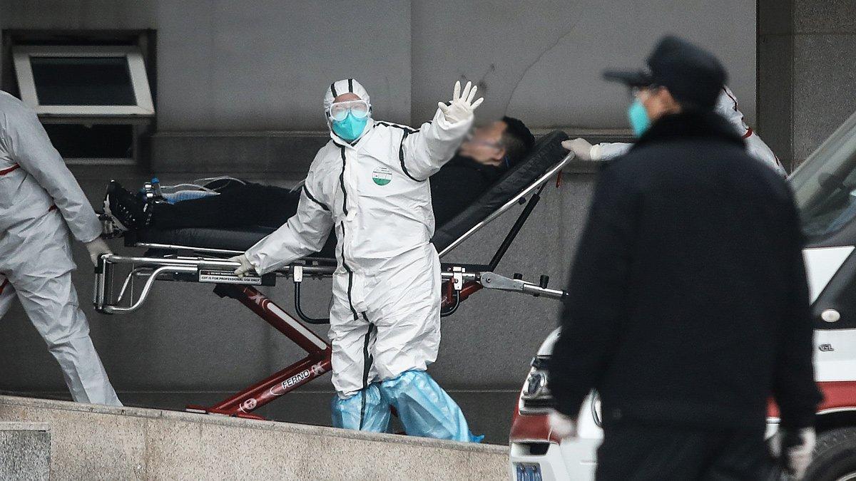 Personal médico en el hospital Jin Yintan, Wuhan, 17 de enero 2020