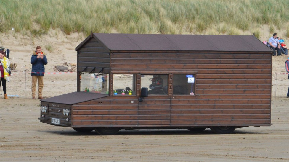Motorised shed returns to break 100mph land speed record