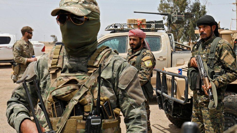 File tentara SDF di Deir al-Zour 1 Mei 2018