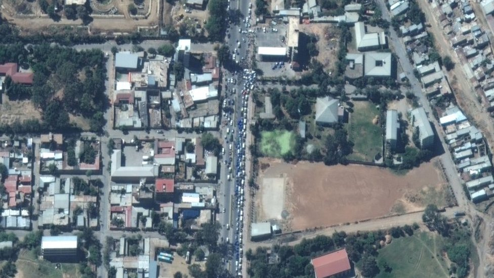 vehicles queue for petrol in Mekelle