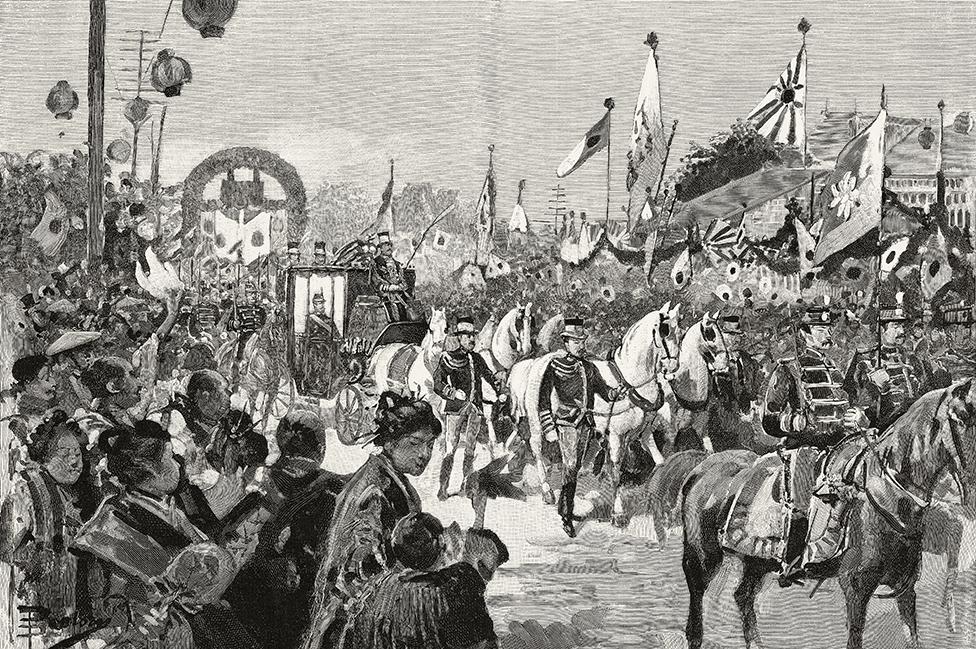 Entrada triunfal del emperador Meiji en Tokio después de regresar de la guerra. Dibujo de Dante Paolocci, de L'Illustrazione Italiana, Año XXII, No 32, 11 de agosto de 1895