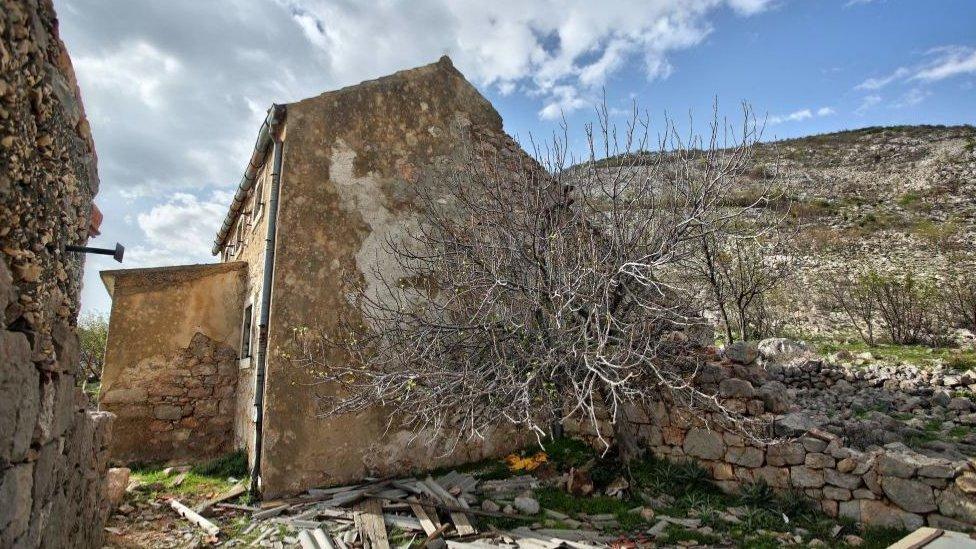Modric'in ailesinin evi Sırp milislerce yok edildi.