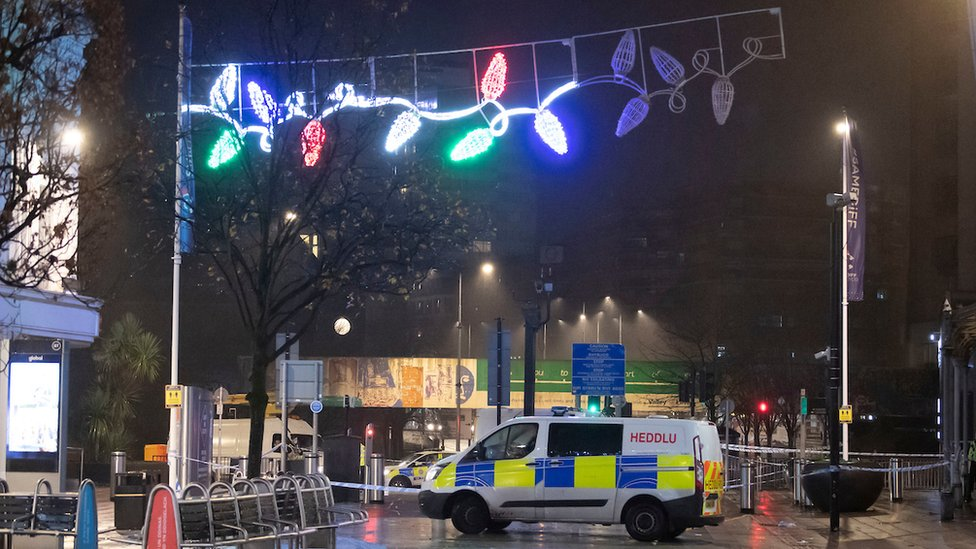Cardiff violence: Six hurt in disorder and stabbings thumbnail
