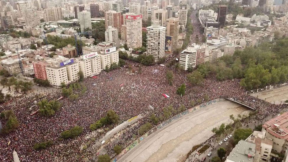 Una imagen de la manifestación del 25 de octubre en Santiago