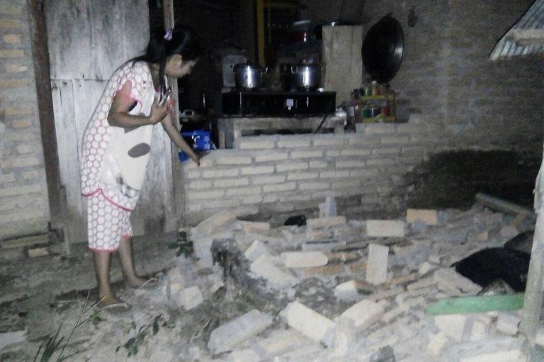 Una casa dañada en Tobadak