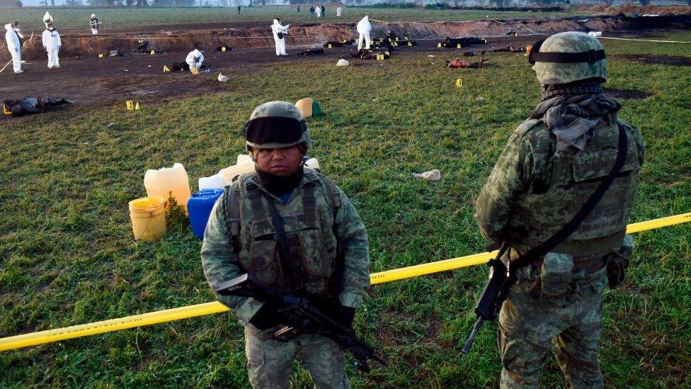 Militares en el lugar del accidente