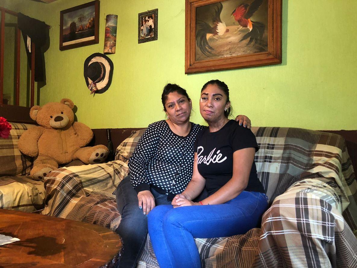 Esmeralda Millán y su madre.