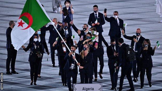 La delegación argelina en la ceremonia de apertura.