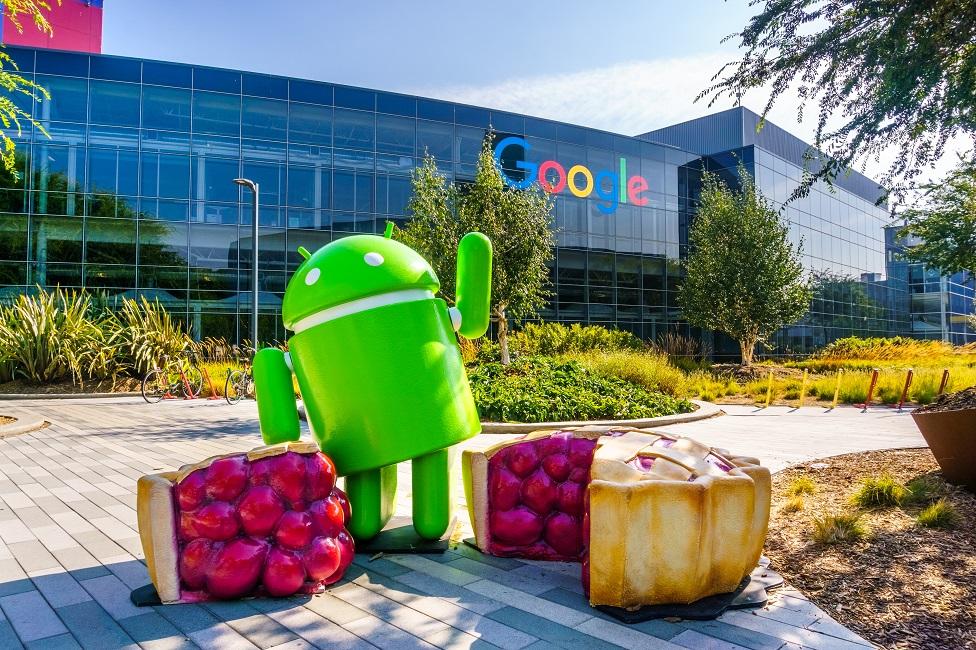 Escultura del muñeco de Android en las oficinas centrales de Google.