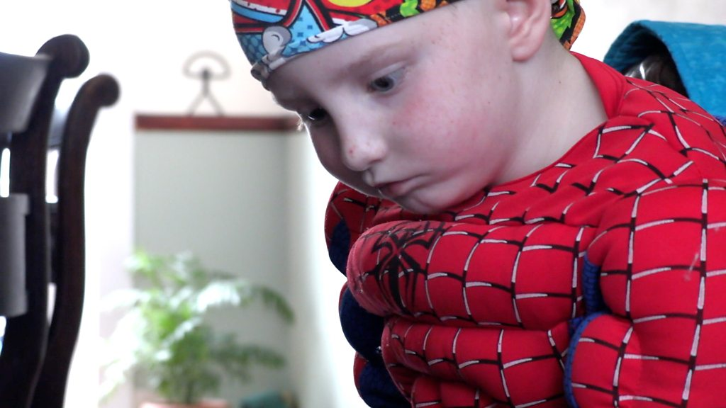 Spider-Man mask makes cancer patient, 6, braver