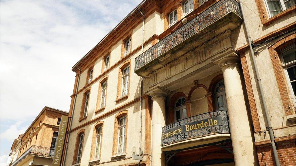 El antiguo Hôtel du Midi donde Azaña vivió sus últimos días.