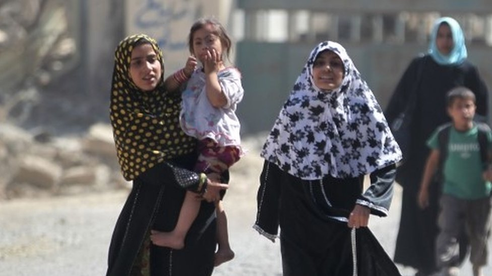 Civilians fleeing from Mosul (23 June 2017)
