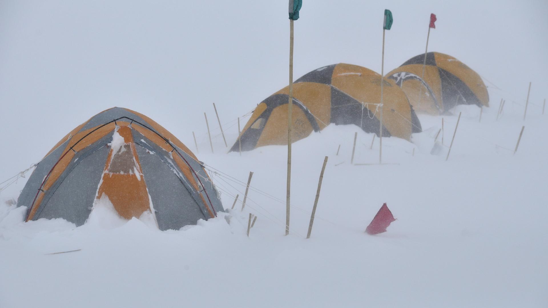 Šatori u snegu