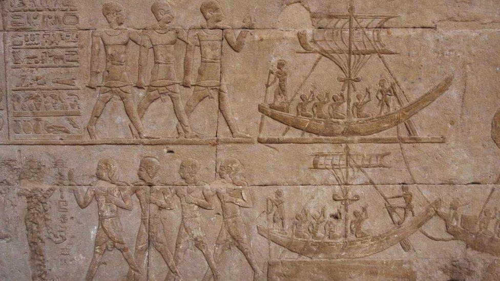 نقوش مصرية قديمة