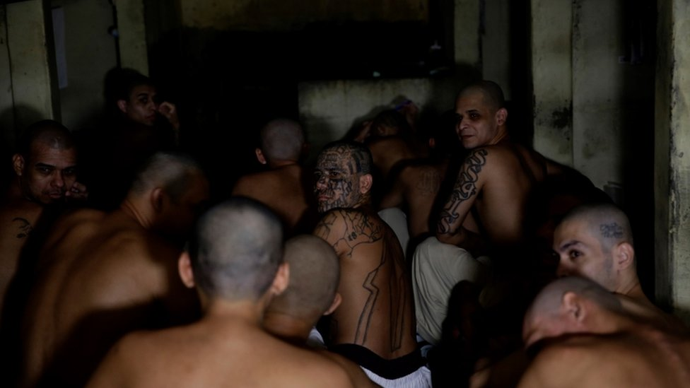 Bario 18 banda zatvorenici ćeliji el salvador april 2020