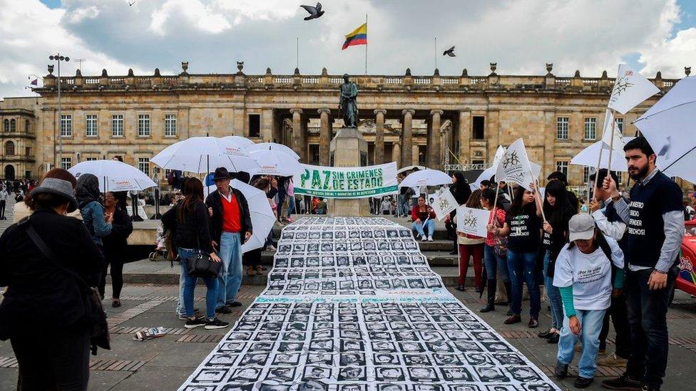 Acto en memoria de las víctimas del conflicto armado en Colombia.