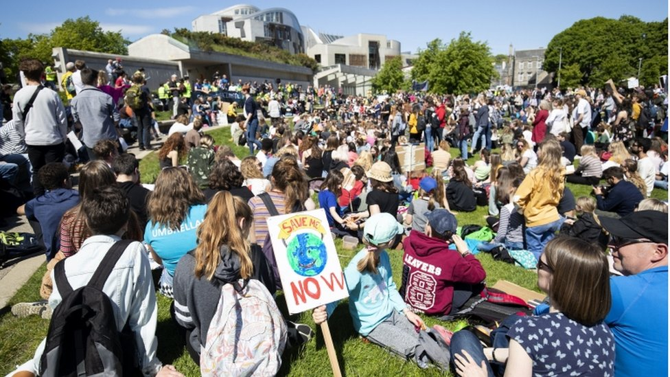 Scottish children take part in climate protest