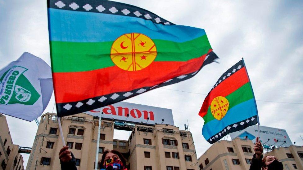 Banderas mapuches en Chile