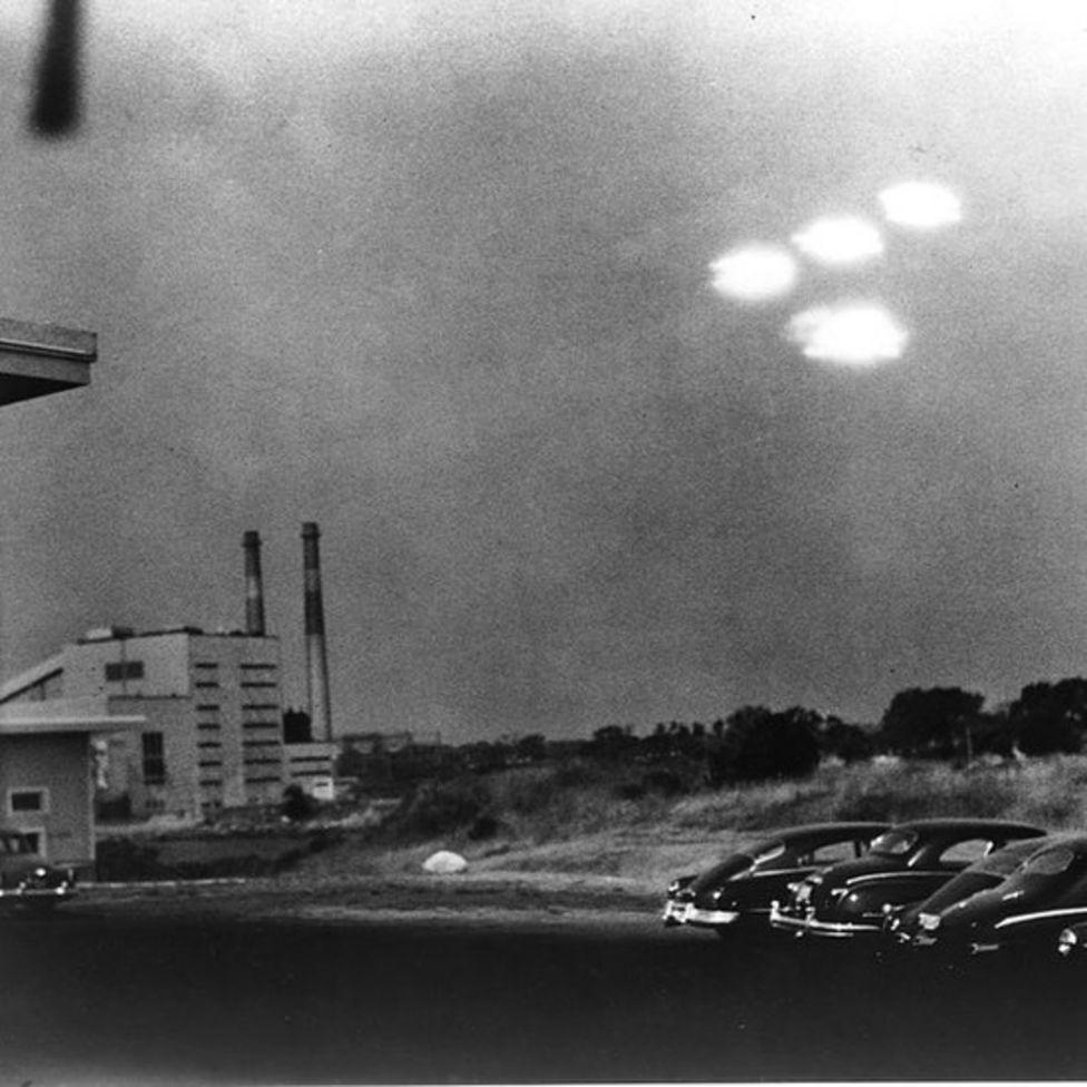 صحون طائرة في ماساشوستس عام 1952