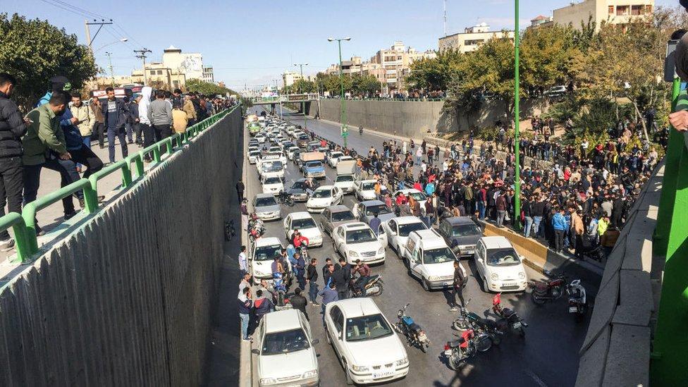 Isfahan kentinde protestolar (16 Kasım 2019)