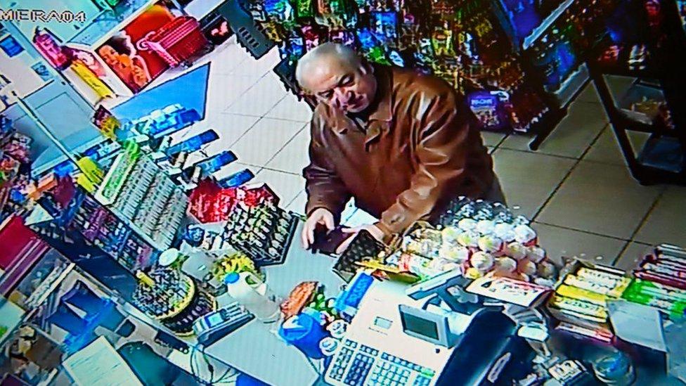 Sergei Skripal en un supermercado en Salisbury.