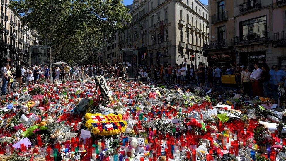 Bunga untuk mengenang korban Barcelona