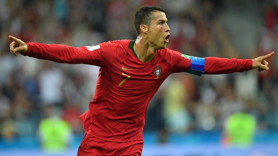 Cristiano Ronaldo anotó los tres goles de Portugal ante España.